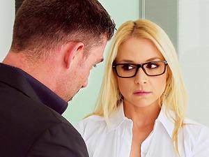 Dual intrusion making Sarah Vandella leave behind her name