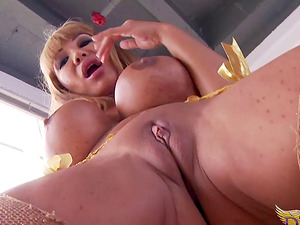 Ava Devine puts a fucktoy in her enormous quivering joy button