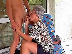 Honey in age gets down and dirty to taste a youthful boner