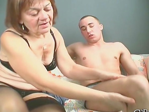 Undressing a GILF Livia to bang her mature cootchie hard