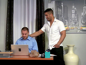 Hans Berlin knows how to stretch a hot fellow's tight anal hole