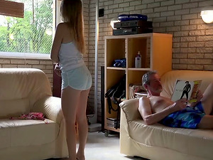 Hot ass Daisy Cake moaning while her pussy gets licked