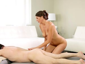 Oily massage and amazing cunt draining with Olivia Lua and John Strong