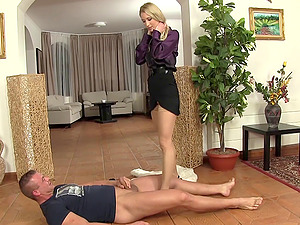 Kinky blonde Cayla Lyons gets down on her knees to get pissed on