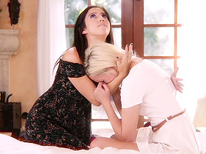 April O'Neil loves making petite blonde Eliza Jane moan