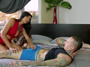 Venus Lux enjoys fucking her tattooed horny lover's ass