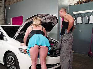Daisy Lynne cannot wait to ride a handsome hunk's cock