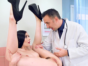 Pale Marley Brinx makes the best out of a doctor's appointment