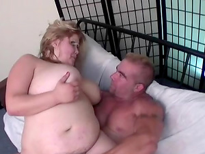Fat babe Kacey Parker plowed well by an experienced lover