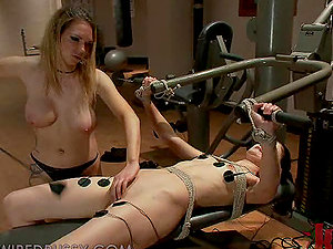 Superior Blonde G/g Finger-tickling and Playing Her Fresh Hookup Fuckpuppet