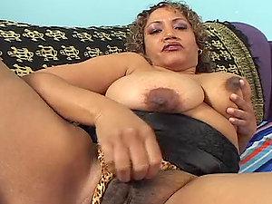 Spunking Inwards Voluptuous Latina Cougar Cala Vraves' Vagina