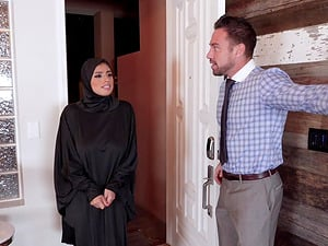 Ella Knox is a babe in a hijab who wants to feel a dick in her hole