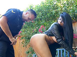 Outdoor plowing session with nasty brunette Romi Rain