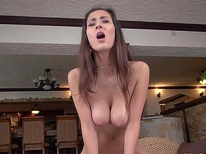 Darcia Lee - Huge Boobs in Action