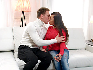 Sweet chick wants to suck on a big dick before a sex session