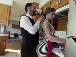 Classy housewife Sydney Cole enjoying Tommy Pistol in the kitchen