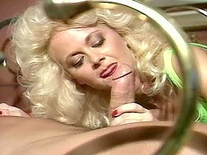 Britt Morgan bj's Peter North's shaft before and after hookup