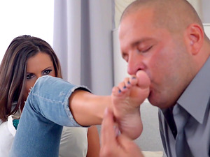 Aroused bod sucking the feet of Sensual Jane whose twat he drills