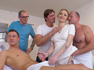 Gangbanging Belle Claire makes her feel amazing cause she loves cocks