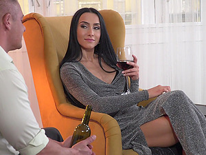 Black-haired stunner Denisa Deen gets her knees dirty to suck a cock
