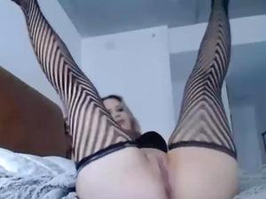 Sexy Babe Twerks Her Big Hot Ass