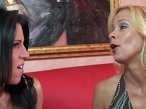 mature older lesbian ladies can surely enjoy a good pussy eating on a sunny afternoon
