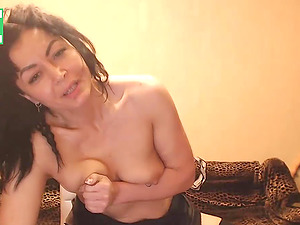 Amateur Russian brunette milf camgirl masturbates and gets mega orgasm
