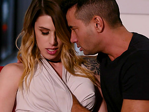 Stunning shemale Casey Kisses finally gets to ride a long dick