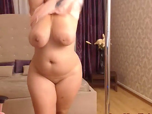 Thick Juicy Romanian Girlfriend With Huge Tits