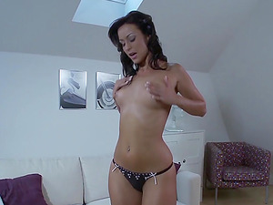 Hot Babe Solo With A Big Toy In Her Ass