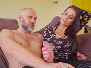Bianka Blue pleases a neighbor by screwing with him on the couch