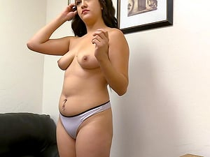 Vanessa spreads her legs widely to get her cunt fucked on the couch