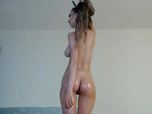 My Oiled girl does a hot booty shake dance on live cam