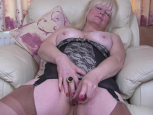 Solo amateurs show hairy pussy