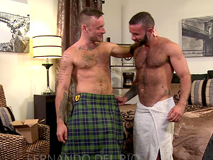 Tattooed mature gay dude gets his tight asshole ravaged