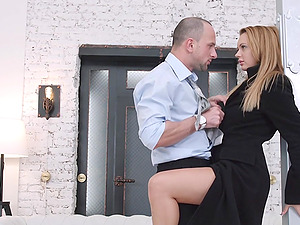 Cutie Emily Thorne Fucked in All 3 Holes