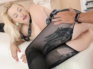Good looking hottie Hadley Haze can take a fat dick in her pussy