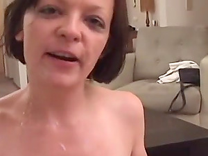 Smoking mature lady knows how to deal with two cocks
