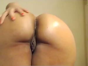 Creamy, dirty talking ebony toys on cam