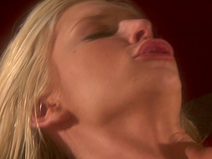 Blonde MILF Brooke Banner gets her pussy licked and fucked hardcore