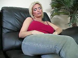 A Hard-core Scene With The Bootylicious Mom Diamond Foxxx