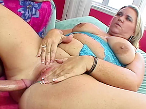BBW Donna's Fat Pussy Riding Hard Cock