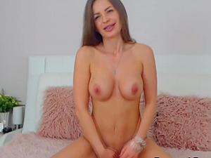 Pretty Babe in a Sizzling Hot Masturbation Show