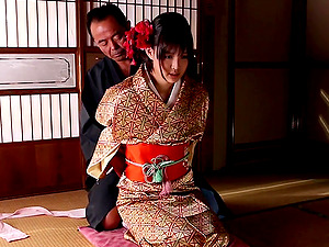 Japanese wife Aoi Tsukasa takes off her kimono and pleases her husband