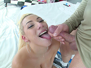 Valentina Jewels extreme deepthroat