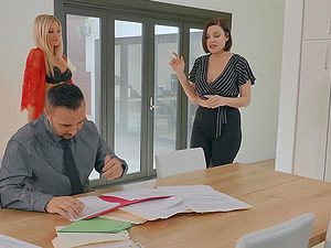 Blonde beauty Riley Steele sprayed with cum on face in the office