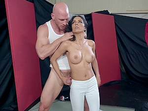 Fit sporty Latina bombshell Tia Cyrus pounded hard at the gym