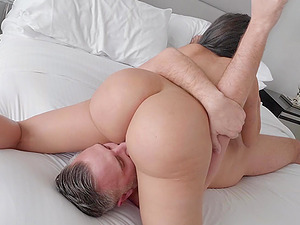 Voluptuous babe Lela Star pounded hardcore and cum sprayed on face