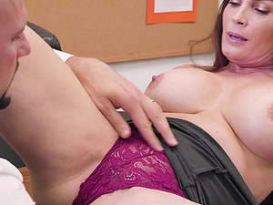 Curvy office whore Diamond Foxxx bent over the desk and pounded