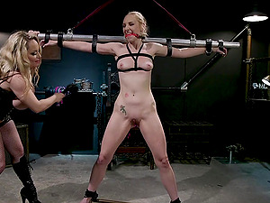 Lesbian fisting BDSM abuse with Delirious Hunter and Aiden Starr